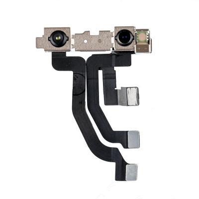 Фронтальная камера iPhone 10 с световым сенсором и микрофоном